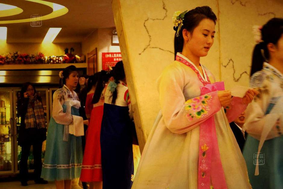 中国餐厅里的朝鲜姑娘