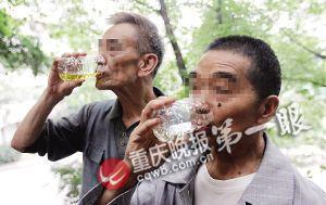 尿疗者谈治疗细节:要趁热喝 还可用于洗脸、洗头